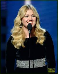 Baby im Anmarsch: Kelly Clarkson c/o iustiared.com