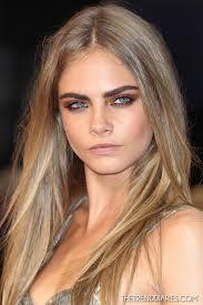 Sie ist ein Model und sie sieht gut aus: Cara Delevingne c/o fansshare.com