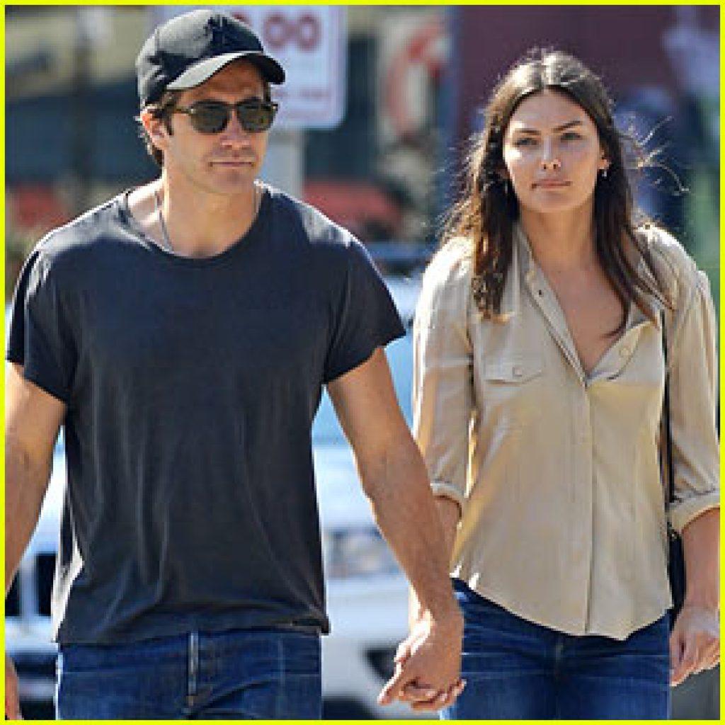Nicht mehr Hand in Hand: Jake Gyllenhaal und Alyssa Miller c/o justjared.com