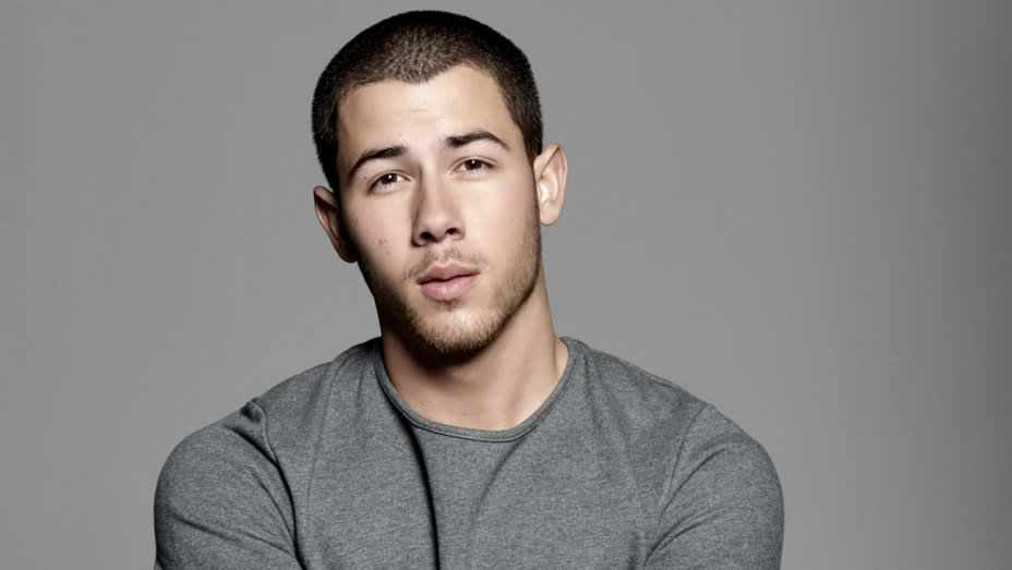 """Nick Jonas gibt zu: """"Meine Mutter wäscht immer noch meine Wäsche""""."""