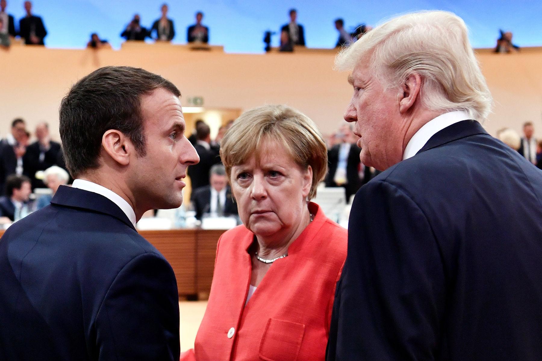 Merkel erwägt, sich Macron für eine Konfrontation mit Trump anzuschließen