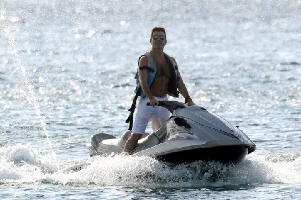 Simon Cowell und seine Freundin hatten Spass mit Jetskis in Barbados