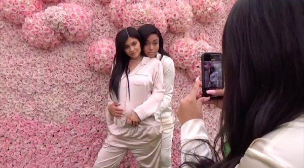 """Kylie Jenners erste Tage der Mutterschaft – """"Die Glücklichsten ihres Lebens"""""""