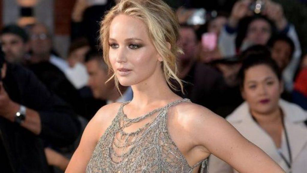 Jennifer Lawrence hat sich offiziell verlobt. Alles, was Sie über ihren Verlobten wissen müssen